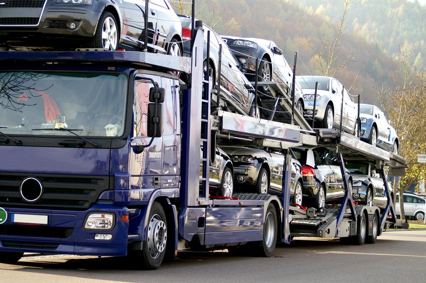 Komplete Ladungen von Autos nach Mallorca